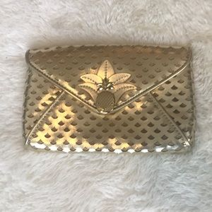 Lilly Pulitzer pineapple clutch